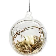 Коледна топка с ръчна декорация
